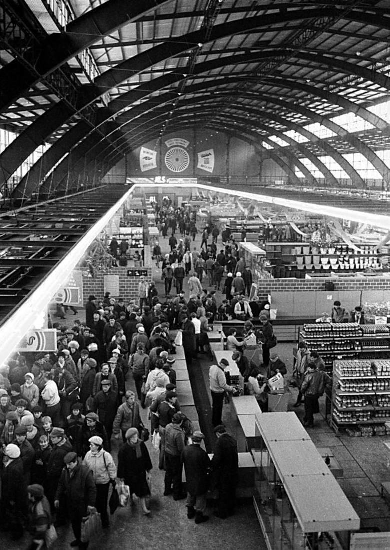 Supersam był niegdyś przestronną halą targową i ulubionym miejscem zakupów katowiczan.