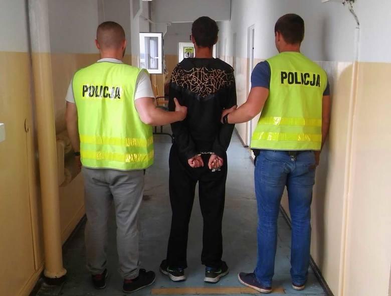 Kryminalni z Chełmna zatrzymali cztery osoby podejrzane o to, że skatowali mężczyznę. Wywieźli go do lasu i zmusili do podpisania umowy sprzedaży swojego