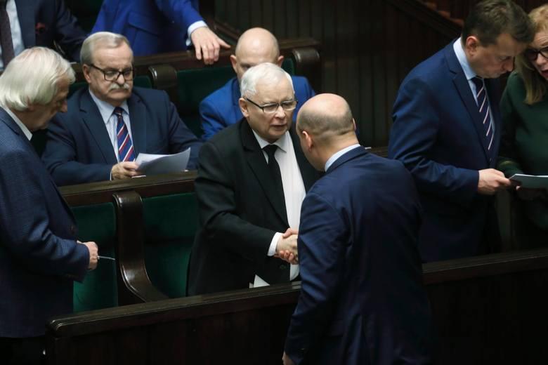 W najbliższych dniach wiceminister Szynkowski vel Sęk zamierza przejąć wszelkie dokumenty związane z funkcjonowaniem lokalnych struktur partii. – Na
