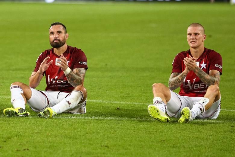 O bardzo doświadczonych piłkarzach mówi się, że ich czas dobiega końca. W Ekstraklasie jednak są oni jak wino, dlatego nic dziwnego, że wciąż są mocnymi