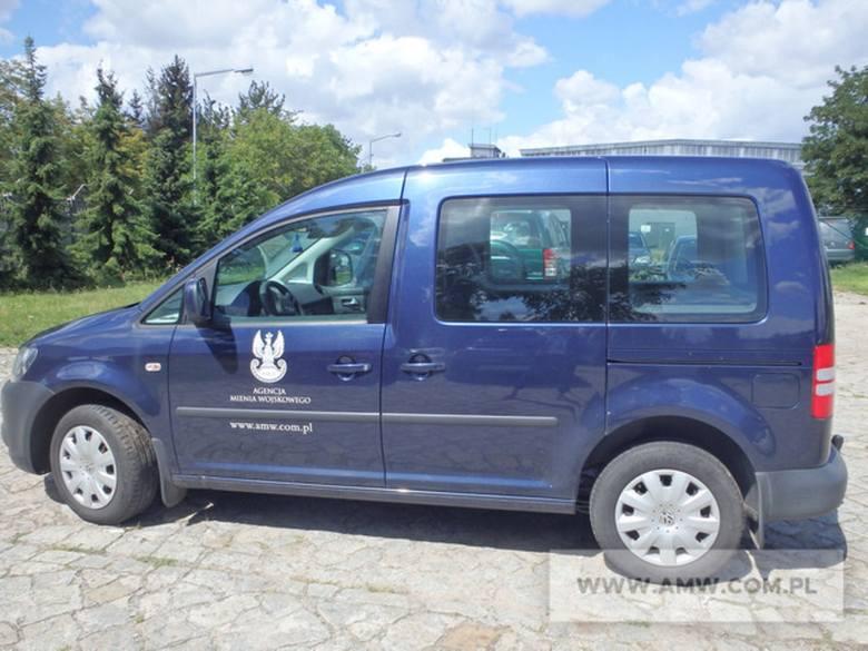 Agencja Mienia Wojskowego organizuje przetargi na zbędne wyposażenie. W ofercie znalazło się sporo pojazdów. Fiaty, ople, mercedesy, honkery, stary,