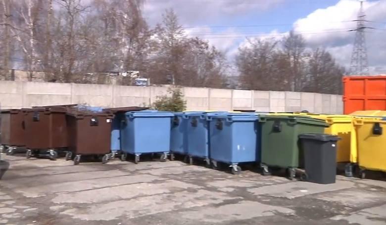 Odpady segregowane:   w przypadku, gdy gospodarstwo domowe jest zamieszkałe przez 1 mieszkańca stawka opłaty miesięcznej wynosi 10 złotych;    w przypadku,
