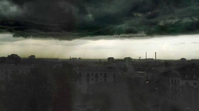 Burza w woj. podlaskim. Pierwszy stopień zagrożenia (zdjęcia, wideo)