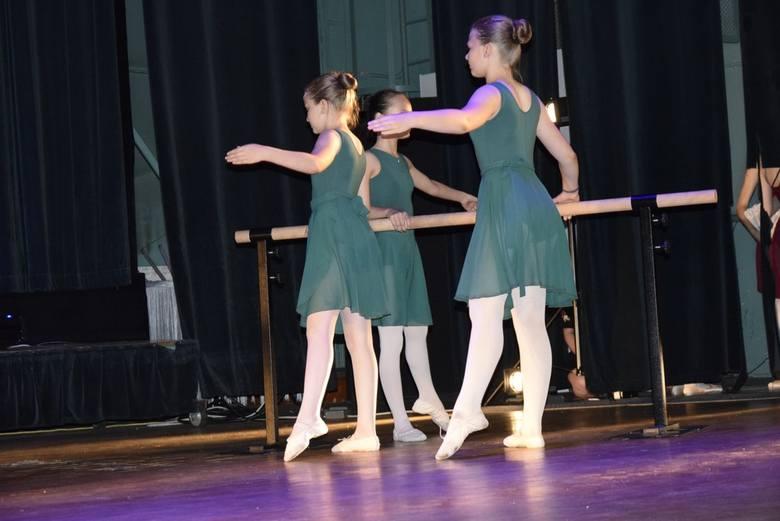 Studio Tańca Art Station obchodzi 10-lecie swojej działalności. Z tej okazji w Kinoteatrze Polonez odbył się koncert jubileuszowy – pokazy taneczne mistrzów i laureatów ogólnopolskich i międzynarodowych festiwali tanecznych.