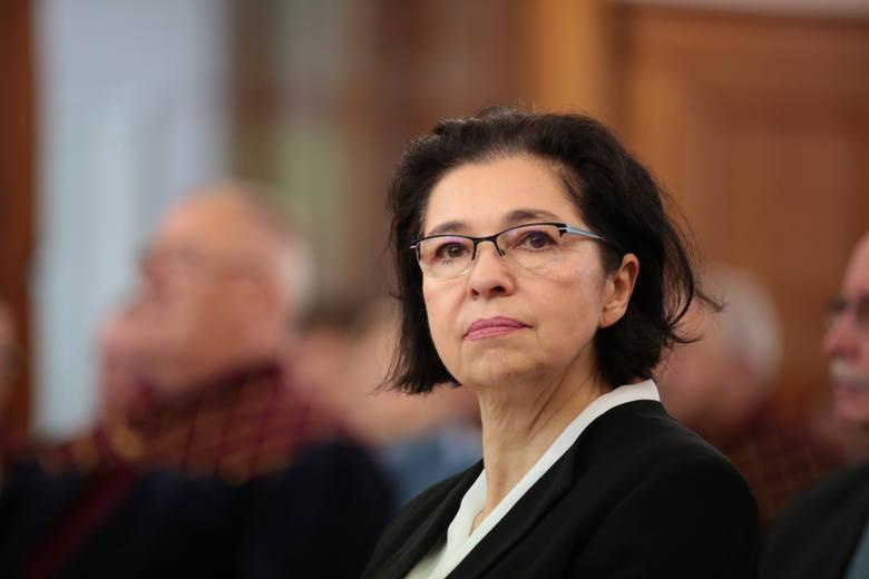 Posłanka Platformy Obywatelskiej Małgorzata Chmiel również należąca do komisji Infrastruktury zwróciła uwagę, że poseł Kilian chyba zapomniał, a może
