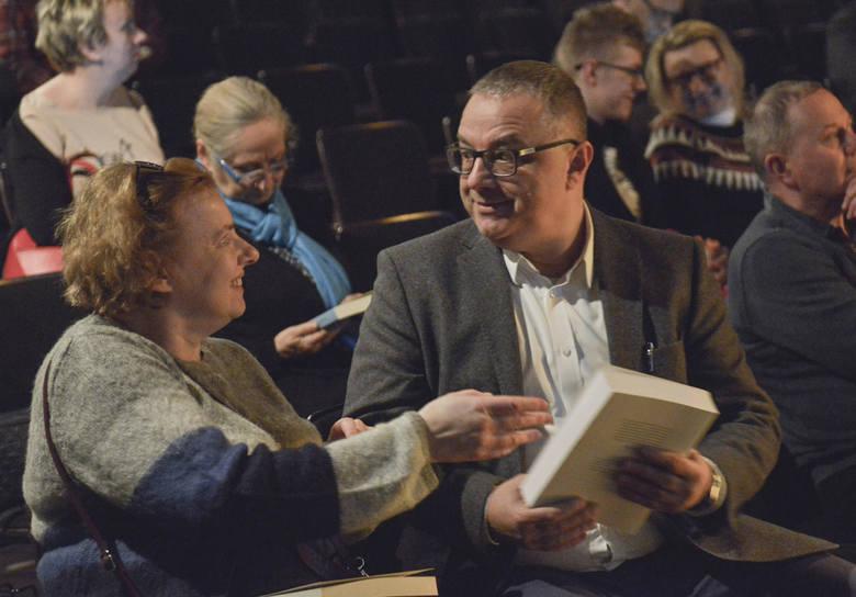 Wpisując się w oficjalne obchody Międzynarodowego Dnia Pamięci o Ofiarach Holokaustu, Ośrodek Teatralny RONDO zaprosił na rozmowę Agnieszki Haskiej i