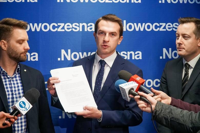 Na początku stycznia odbędzie się posiedzenie Sejmu, podczas którego parlamentarzyści będą uchwalać budżet państwa. Poznański poseł i przewodniczący Nowoczesnej Adam Szłapka zapowiada, że złoży siedem poprawek związanych z planowanymi inwestycjami w stolicy Wielkopolski.