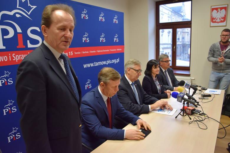 """Wiceminister zachwalał w Tarnowie program """"500 plus"""""""