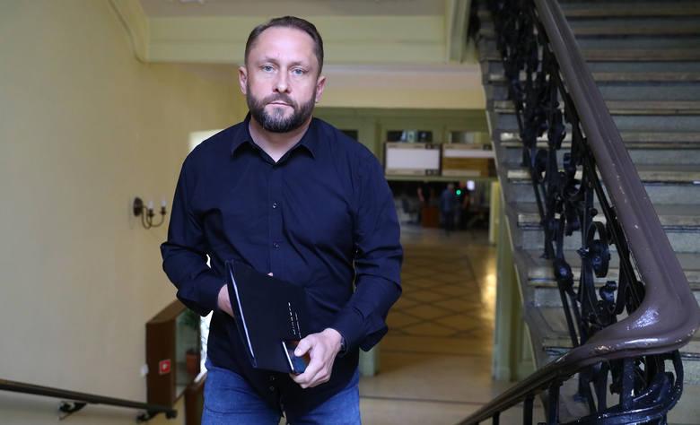 Przed Sądem Rejonowym w Piotrkowie Trybunalskim rusza proces Kamila Durczoka oskarżonego o sprowadzenie bezpośredniego niebezpieczeństwa katastrofy w