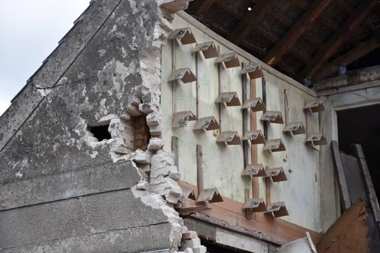 Ulatniający się z butli gaz eksplodował w domu we wsi Czarnowo niedaleko Krosna Odrzańskiego w sobotę, 10 października 2020 r. kilkanaście minut po godzinie