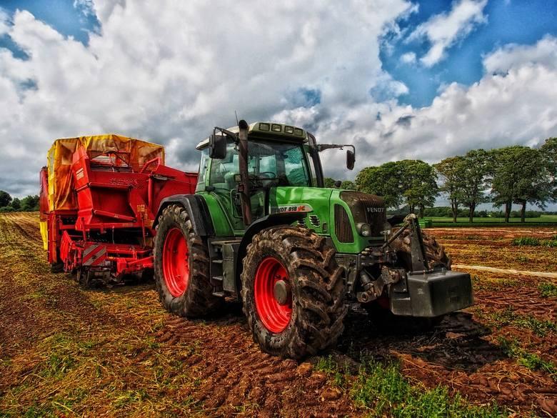 Rolnictwo. Rusza pilotażowy program finansowania usuwania folii rolniczych.