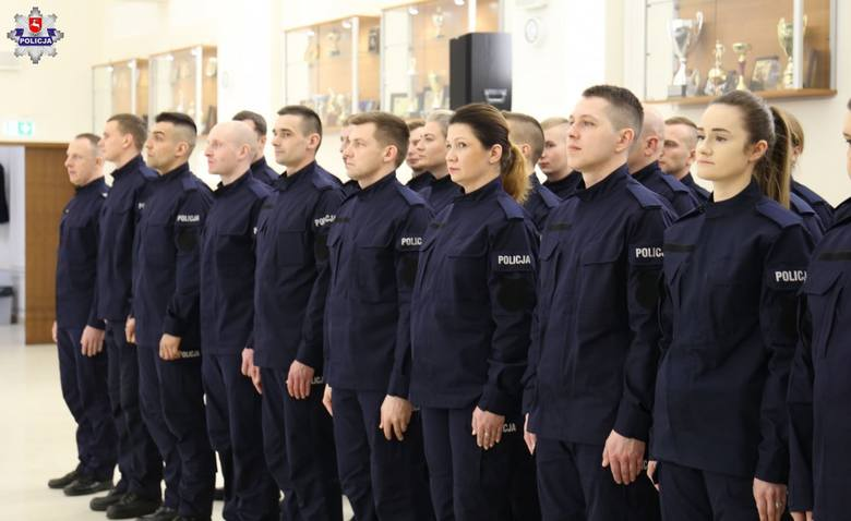 Nowi policjanci lubelskiego garnizonu. Zobacz zdjęcia i film ze ślubowania