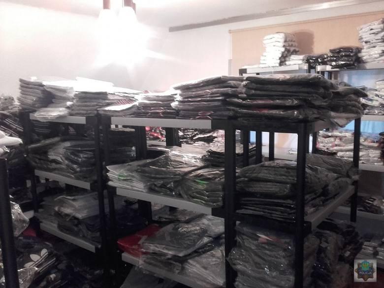 Nielegalna hurtownia podrobionych ubrań i perfum w Opolu. 10 milionów złotych strat! Zatrzymana 49-latka i jej syn