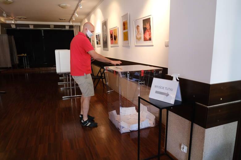 Frekwencja wyborcza w Gliwicach jest wysoka, chociaż w pierwszej turze była jeszcze wyższa Zobacz kolejne zdjęcia. Przesuwaj zdjęcia w prawo - naciśnij