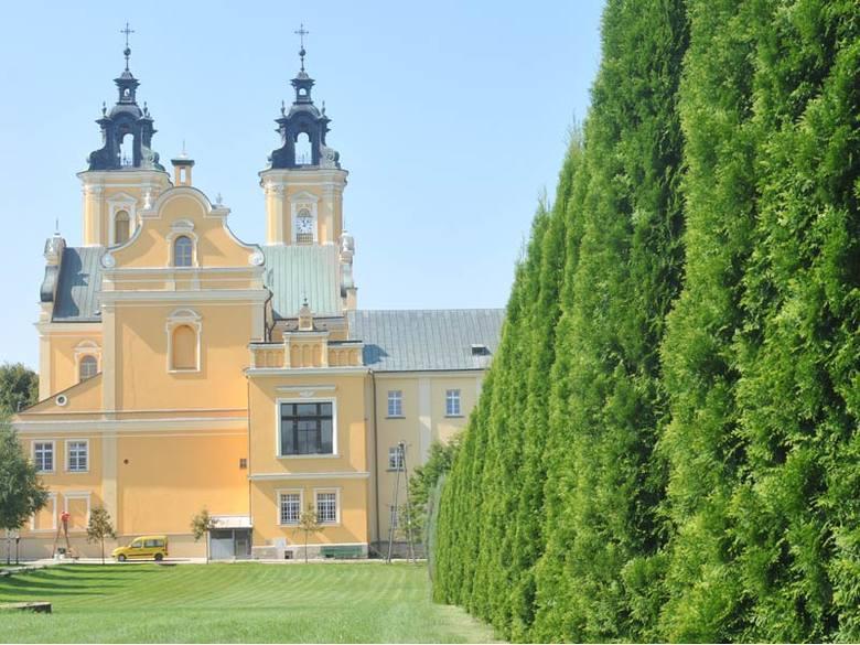 Bazylika w Starej WsiZakonczyl sie remont bazyliki i zespolu klasztornego w Starej Wsi
