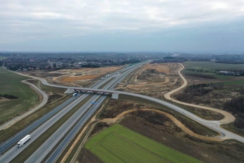 Tak obecnie wygląda odcinek F autostrady A1, między węzłami Blachownia i Częstochowa Północ. Powstają tam właśnie cztery Miejsca Obsługi Podróżnych.Zobacz