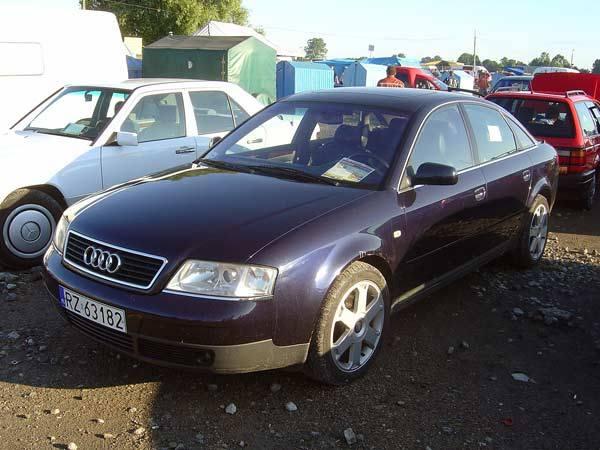 Audi A6Silnik 2,8 benzyna, 193 KM. Rok produkcji 1997. Wyposazenie: pelna opcja. Cena 27000 zl.