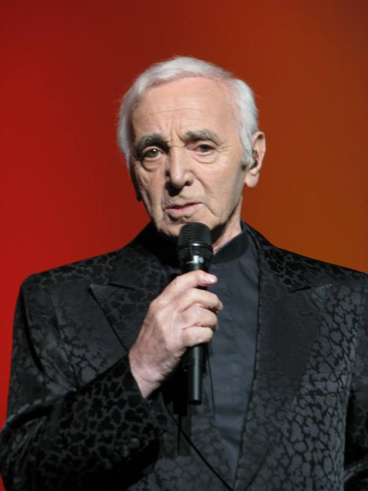 Owiany legendą francuski kompozytor i piosenkarz ormiańskiego pochodzenia, okazjonalnie aktor filmowy. Obdarzony był charakterystycznym głosem, dzięki