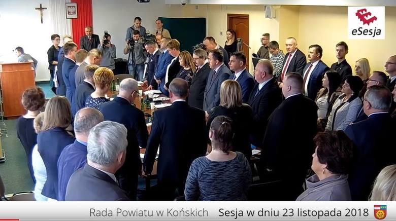 Wielka awantura po wyborach starosty i zarządu powiatu koneckiego! Padają ostre słowa: korupcja, oszustwo