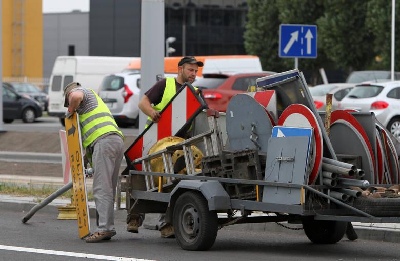 Miejski Zarząd Dróg podsumował miniony rok na toruńskich drogach. Okazuje się, że spadła liczba aktów wandalizmu. Nadal jednak płacimy krocie za naprawy