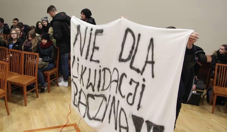 """Jak uczniowie i nauczyciele ratują we Włocławku """"Baczyńskiego""""? [zdjęcia]"""
