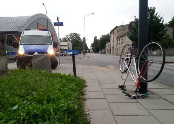 Tajemniczy wypadek rowerzysty na ul. Wólczańskiej. Policja szuka świadków