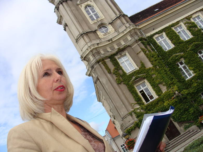 Radna Elżbieta Czerniawska oczekuje, że wniosek o nadanie placowi przed magistratem im. Lecha Kaczyńskiego zostanie przegłosowany przez radę.