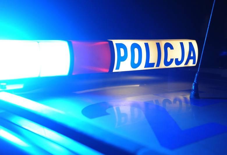 26-latek po pijaku wjechał autem w latarnię przy ul. Szopena w Rzeszowie