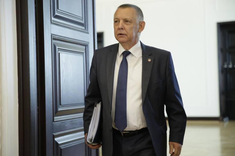 Marian Banaś krytykuje działania CBA. Napisał ostry list do marszałek Sejmu Elżbiety Witek