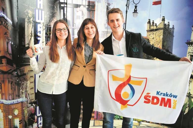 Od lewej Maria Pyzik, Anna Gromala i Jarosław Baziak