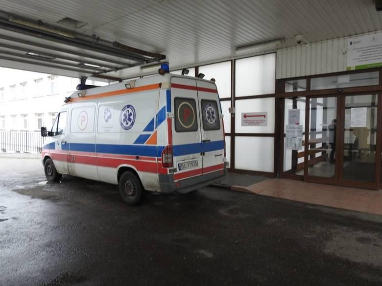 Koronawirus. Pacjenci z Łomży opuszczają szpital. Są przewożeni do innych placówek, m.in. do szpitali w Zambrowie, Kolnie i Ostrołęce
