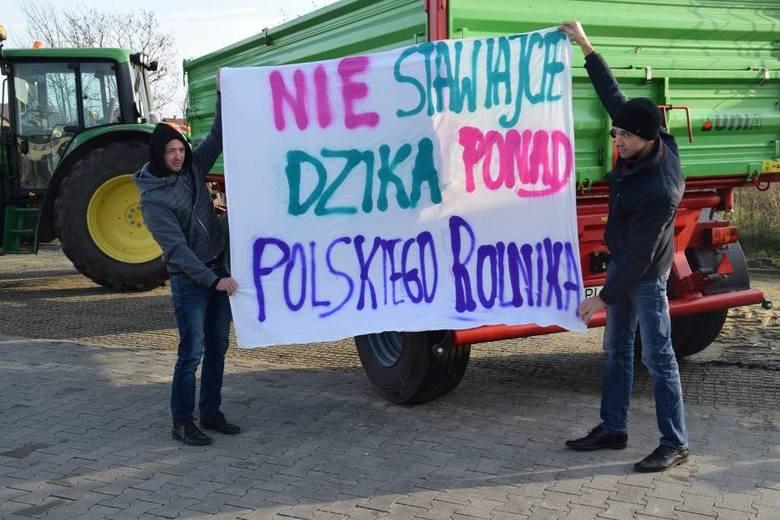 W piątek rano rozpoczął się protest rolników na terenie Wielkopolski. W Pleszewie, Szczurach i Marchwaczu spotkali się, aby wspólnie wyjechać na drogi