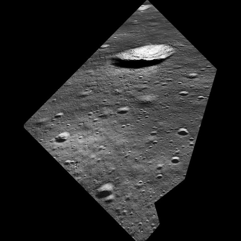 Symulacja tego, co Neil Armstrong widział w ostatnich minutach, gdy prowadził moduł księżycowy.
