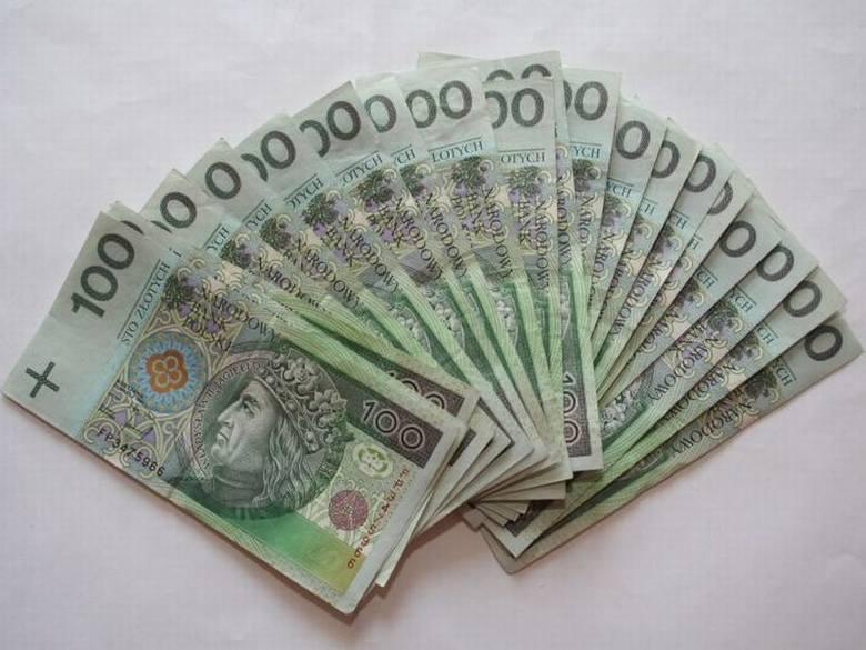 W gminie Moskorzew radni podwyższyli sobie diety o 100 złotych, a wójtowi wynagrodzenie o ponad 1300 złotych. To jedyna gmina w powiecie włoszczowskim,