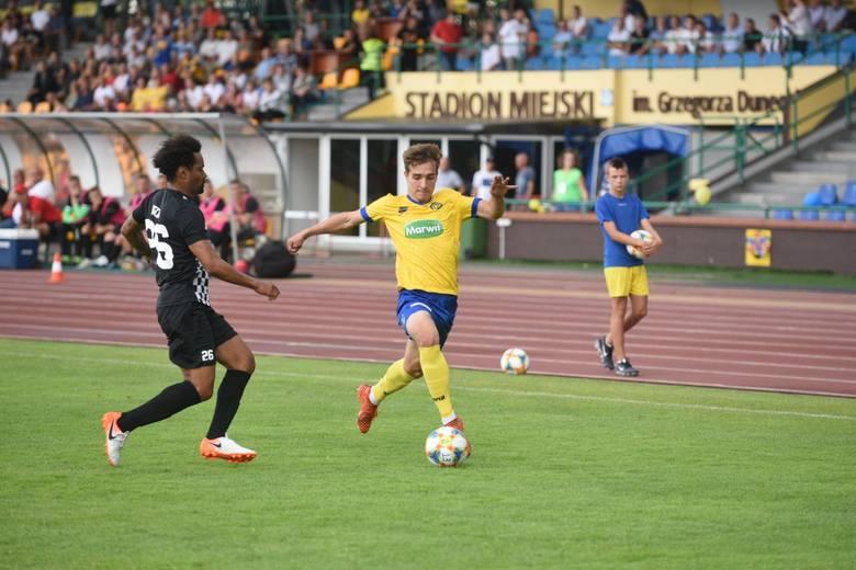 Od zwycięstwa nad spadkowiczem z I ligi Elana rozpoczęła ligowe zmagania. W pierwszym meczu sezonu 2019/2020 zółto-niebiescy podejmowali u siebie Bytovię