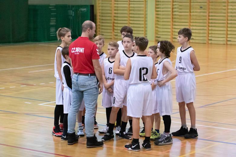 KOszykówka U12M. Energa Adkonis Słupsk uległa na swoim parkiecie 60:111 Gdyńskiej Akademii Koszykówki