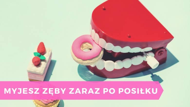 Warto pamiętać o myciu zębów po posiłku, ale nie warto brać sobie tego do serca zbyt dosłownie. Tuż po zjedzeniu, lepiej przepłukać usta wodą, a zęby