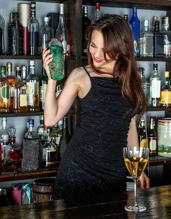 Pomimo upałów alkohole sprzedają się jak świeże bułeczki