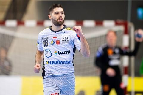 Piłkarze ręczni PGE Vive Kielce wygrali pierwszy rozgrywany w tym roku mecz Ligi Mistrzów. W szwedzkim Kristianstad pokonali miejscowe IFK 34:33. Naszym