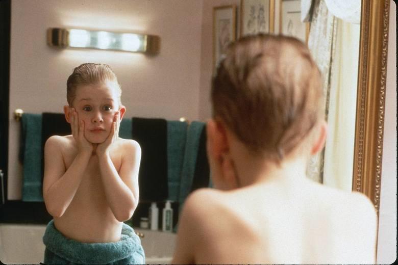 """""""Kevin sam w domu"""" to świąteczny klasyk. Film co roku przyciąga przed telewizory tłumy widzów. Gdy jednego roku Polsat postanowił nie"""