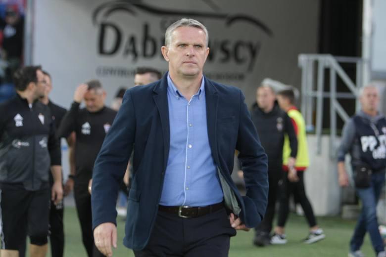 Dla szefów klubów PKO Ekstraklasy każdy czas jest dobry do przeprowadzenia trenerskich roszad. Nawet ten, w którym rozgrywki zawieszone są z powodu pandemii