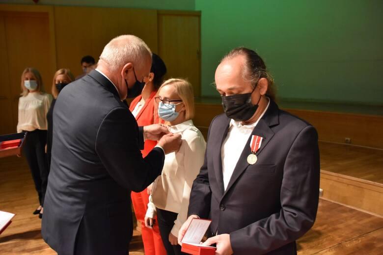 Dzień Edukacji Narodowej w Filharmonii Zielonogórskiej - 12 października 2021. Wydarzenie zorganizowane przez Lubuskie Kuratorium Oświaty w Gorzowie