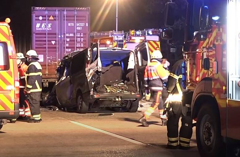 Wypadek polskiego busa w Niemczech. Zginęło pięcioro Polaków, w tym mieszkanka powiatu ostrołęckiego