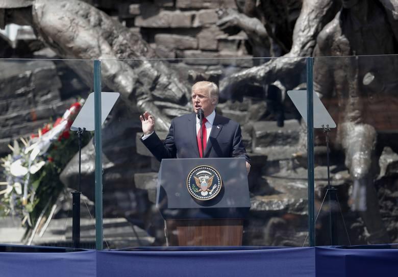 Donald Trump w Polsce. Wizyta prezydenta USA w Warszawie [ZDJĘCIA]