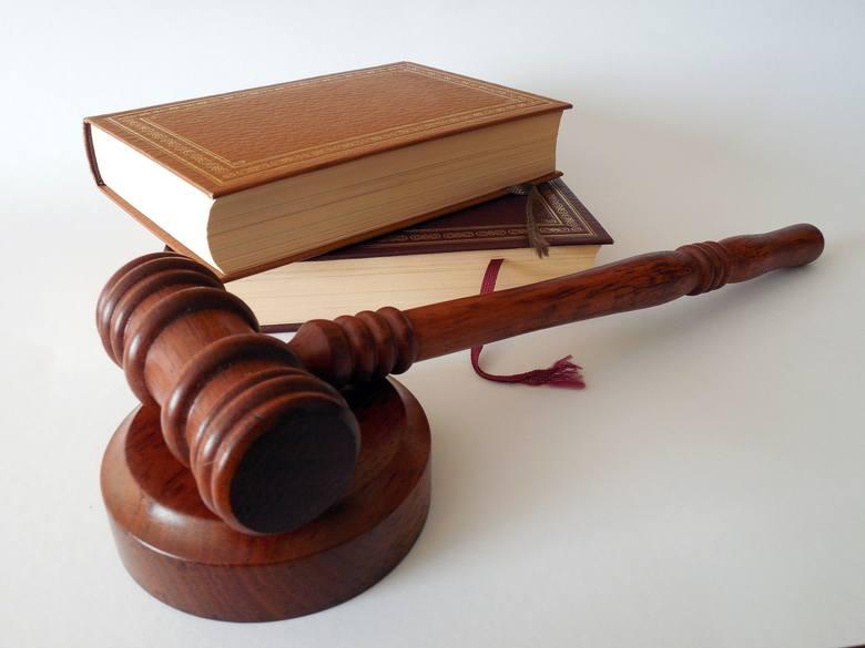 Sąd otrzymując z banku wniosek, nie oceniał go merytorycznie, nie badał powodów wystawienia, a tylko przesłanki formalne