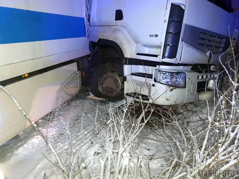 Wypadek ciężarówki w Pietraszowie.