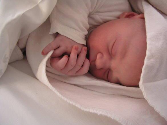 Jak ułatwić niemowlęciu zasypianie?