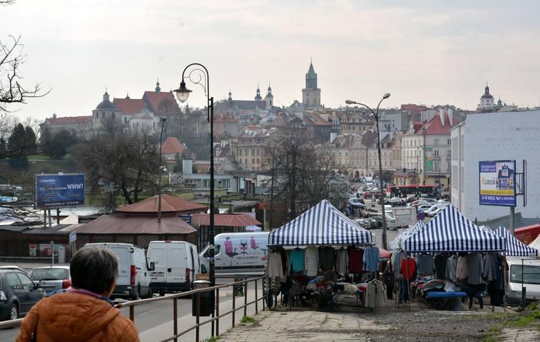 Podzamcze w Lublinie. Miała być hala i zielony rynek, jest poślizg