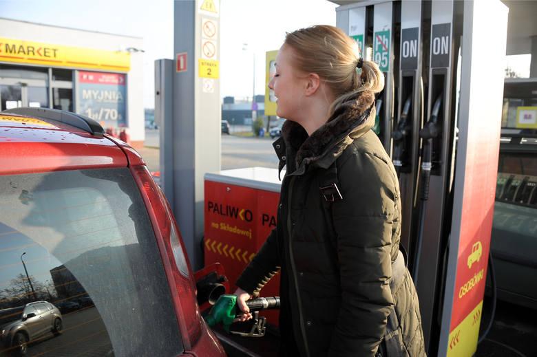 W tym tygodniu benzyna ma tanieć. To koniec wzrostu cen paliw?