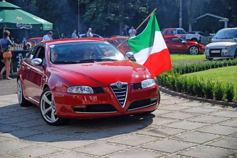 Wielki zlot miłośników samochodów marki FIAT